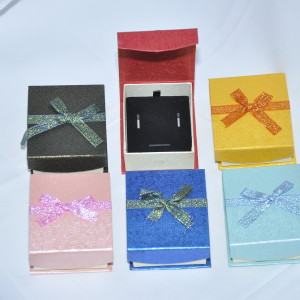 Футляры картонные под наборы (серьги, кольцо)