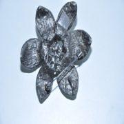 Брошь цветочек с жемчугами. арт. BR57