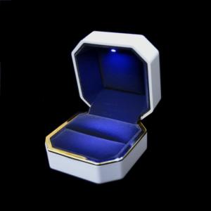 Ювелирные футляры с подсветкой, под кольцо, цена указана за 6 шт.