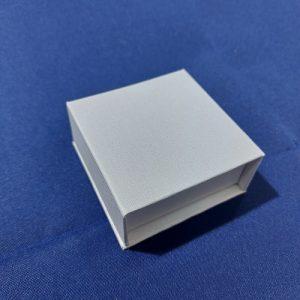 Футляр из картона с магнитной крышкой под кольцо