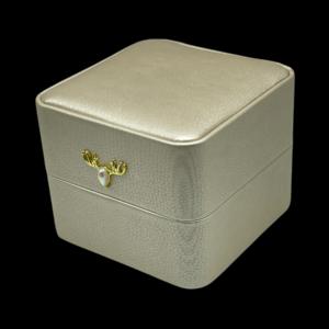 Футляры с подсветкой под обручальных колец, цена указана за 3 шт. арт. FS53