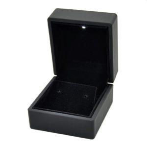 Футляр с подсветкой под серьги, цена указана  за 6 шт.