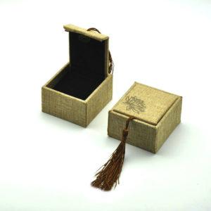 Футляр с косичкой, под кольцо, цена указана за 12 шт.